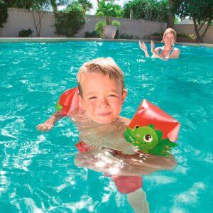 Peldbaseini un peldēšanas piederumi